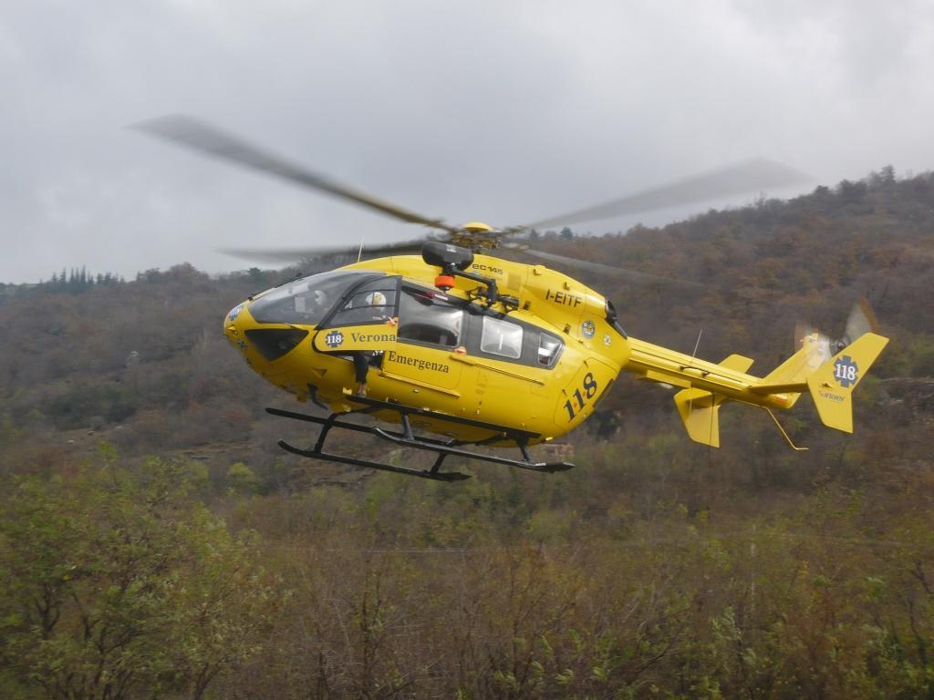 Elicottero 118 Modello : Interventi e agosto soccorso alpino